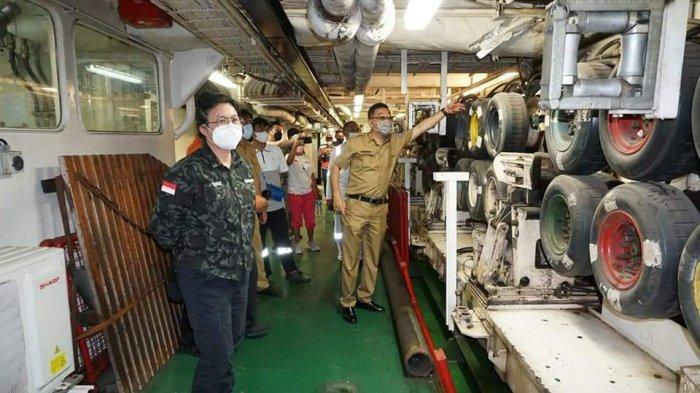 Bupati Sitaro Tinjau Langsung Perbaikan Fiber Optik di Perairan Ondong
