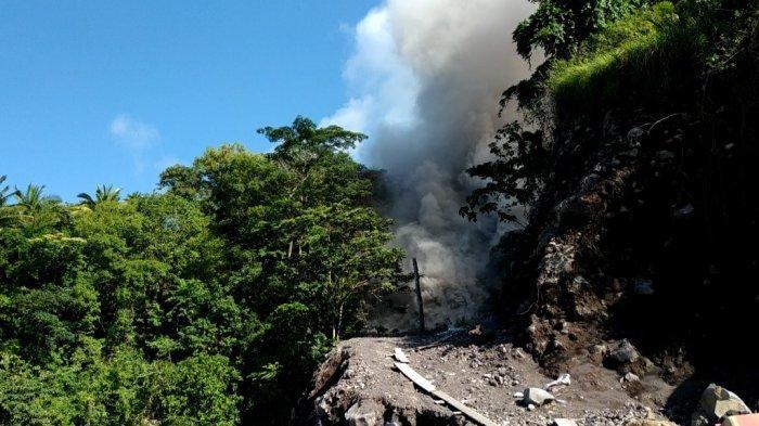 Guguran Lava Karangetang Tutup Akses Jalan Kawahang-Batubulan