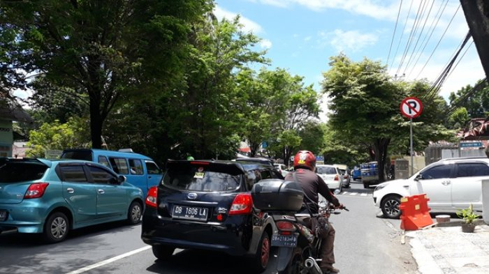 Perlambatan Kendaraan Mulai Terjadi di Jalan Ahmad Yani Manado