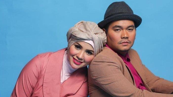 Lama Menghilang, Indra Bekti Bagikan Potret Istrinya di IGD & Dipasang Selang: Mohon Doanya