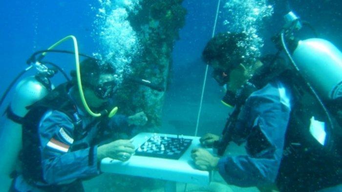 Jelang HUT ke-76 RI, TNI AL Talaud Gelar Lomba Catur di Dasar Laut