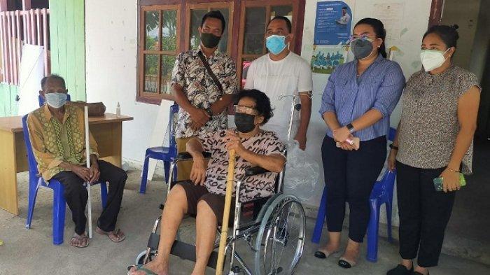 Anggota DPRD Sulut Yusra Alhabsyi Salurkan Bantuan Kursi Roda ke Warga Kurang Mampu di Bolmong