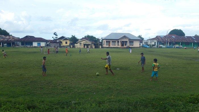 Suasana Menjelang Sore di Lapangan Inobonto, Anak-anak Bermain hingga Penjual Es Krim