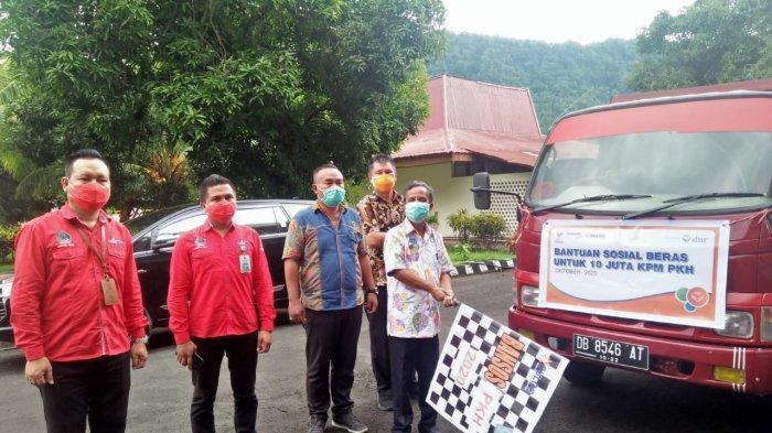 Dinas Sosial Daerah Provinsi Sulawesi Utara melakukan kegiatan launching Bantuan Sosial Beras (BSB) untuk KPM PKH Kabupaten Kepulauan Sangihe.