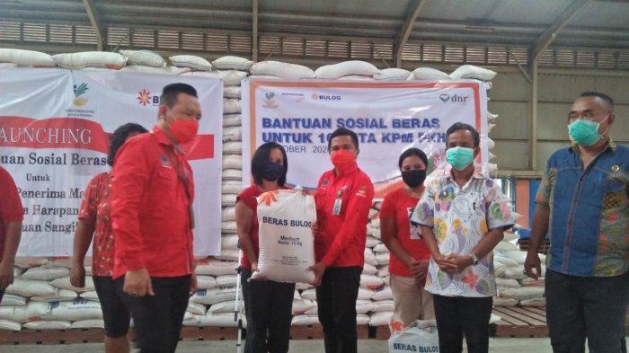 Dinas SosialSulut Launching Bantuan Sosial Beras di Sangihe