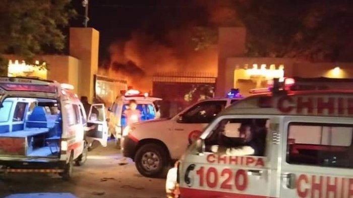 Bom Maut Hantam Tempat Parkir Hotel Mewah di Pakistan, Target Utama Luput