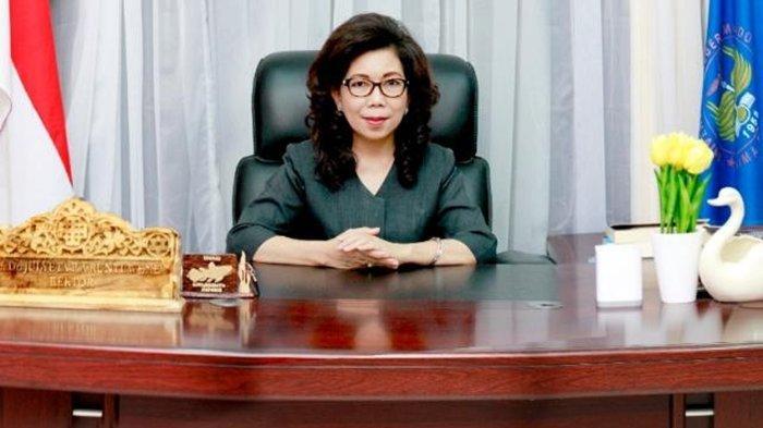 Prof Dr Julyeta Paulina Amelia Runtuwene MS Siap Maju Lagi di Pilrek Unima, Didoakan Sebelum Daftar