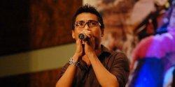 VIDEO: 'Kenanglah Aku' Sambil Live Instagram, Adi Eks Naff Nanyikan