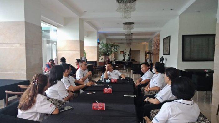 Menparekraf, Sandiaga Uno dan Ketum DPP Masata, Panca Rudolf Sarungu didampingi Ketua Masata Sulut, Dino Gobel meluncurkan Likupang Duathlon di Paradise Hotel Likupang, Sabtu (06/03/2021).