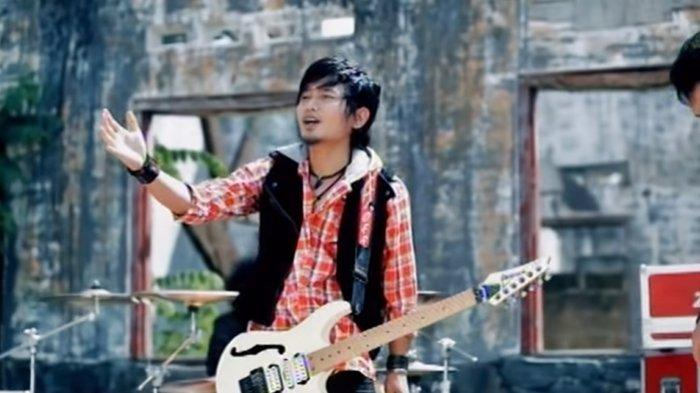 Chord Gitar Aishiteru 2 - Zivilia - Chord & Lirik 'Aishiteru bukti cinta untukmu'