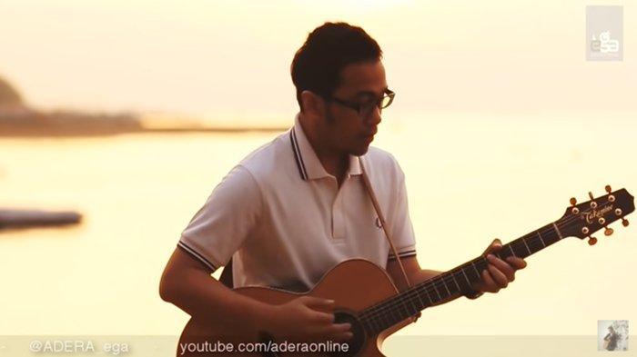 Chord Gitar Lebih Indah - Adera - Chord & Lirik 'Dan Kau Hadir Merubah Segalanya'