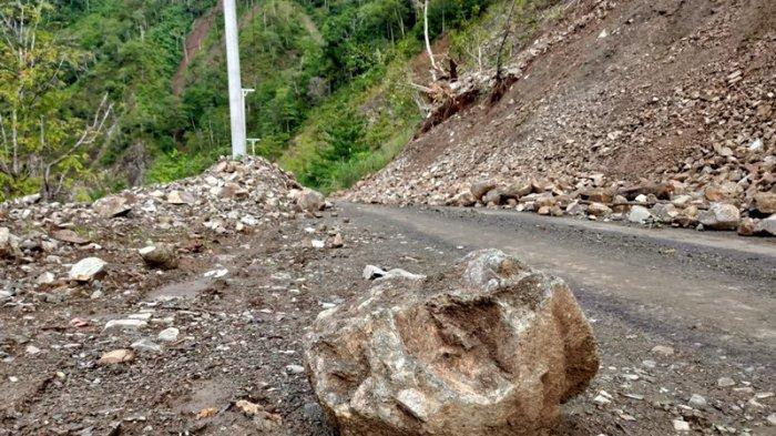 Longsor di Jalur Pindol Terdiri dari Material dan Bebatuan