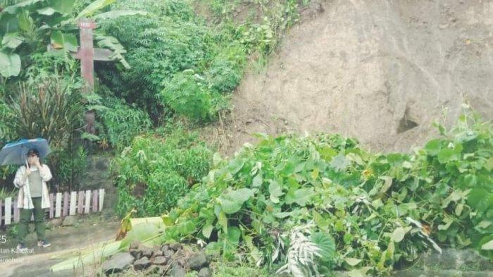 Longsor Timbun Rumah Warga di Kelurahan Saronsong Satu