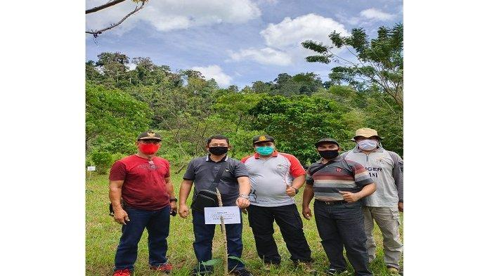 Tingkatkan Peduli Lingkungan, Mahasiswa PPKT Lakukan Kerja Sama Penanaman Pohon