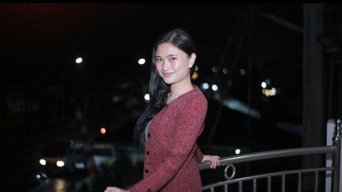 Mahasiswi Cantik Unima Ivannia Montolalu Ajak Masyarakat Dukung Percepatan Vaksinasi Pemerintah