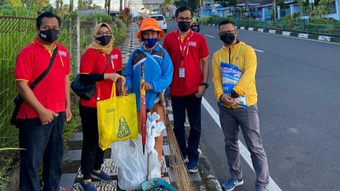 Alfamart Berbagi untuk Petugas Kebersihan, Ikuti Juga #KuisAlfamart dan Menangkan Voucher Belanja