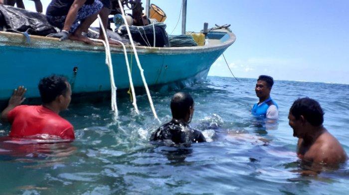 Mandi-mandi di Pulau Sara