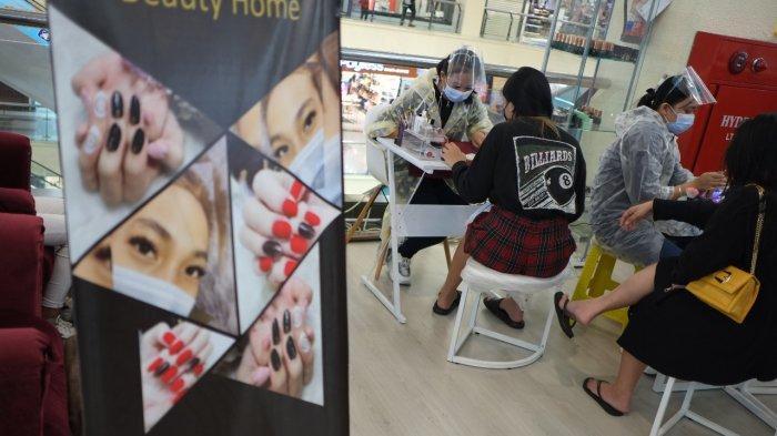 BERITA FOTO: Manicure dan Pedicure di Megamall Manado
