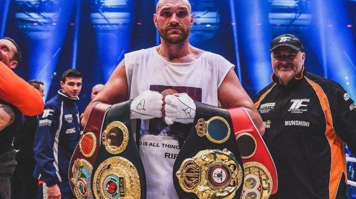 Petinju asal Inggris, Tyson Fury, Diminta Presiden UFC Untuk Jadi Petarung MMA
