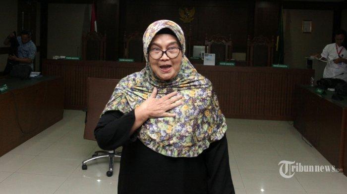 Mantan Menteri Kesehatan yang merupakan terpidana kasus suap alat kesehatan tahun 2005 <a href='https://manado.tribunnews.com/tag/siti-fadilah-supari' title='SitiFadilahSupari'>SitiFadilahSupari</a> menjalani sidang Peninjauan Kembali (PK) kasus pengadaan alat kesehatan di Pengadilan Tipikor, Jakarta, Jumat (29/6/2018).
