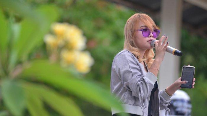 Cewek Manado - Marchya Sumolang, Terpesona Potensi Pariwisata di Sulut