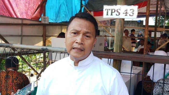 Mardani Ali Sera saat di Tempat Pemungutan Suara (TPS) 43 RT 09 RW 08, Kelurahan Jatimakmur, Kecamatan Pondok Gede, Kota Bekasi, Rabu (17/04/2019).