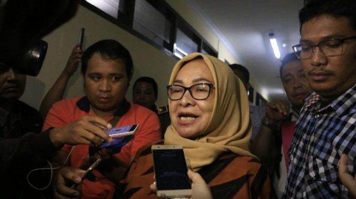 Diperiksa 7 Jam oleh KPK,Marlina Bangga dengan Tindakan Suap Sang Anak