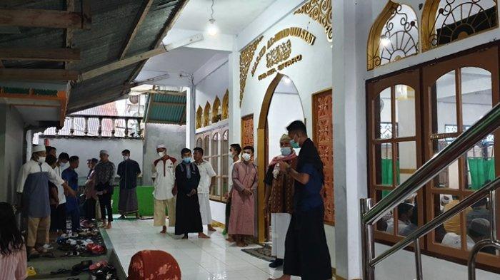 Cara Salat Idul Adha Sendiri di Rumah, Dilengkapi Bacaan Niat hingga Doa