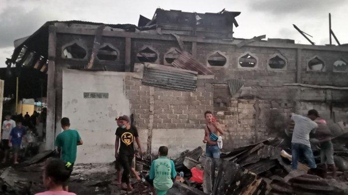 Kebakaran Pasar Tua Bitung, Ratusan Warga Sisa Baju di Badan
