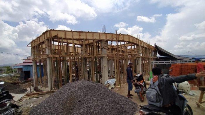 Masjid Baitul Khoir Masih dalam proses pembangunan 3 lantai.