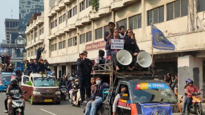 Alumni 212 dan Sekelompok Massa Gelar Demo di Sekitar Monas, Jalan Hayam Wuruk Ditutup