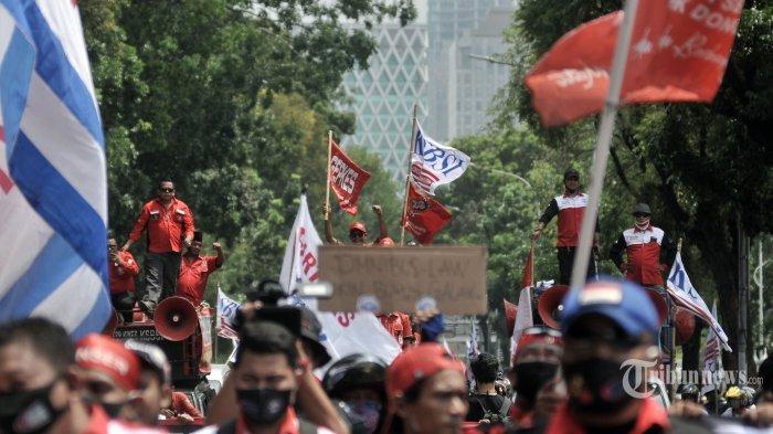 Peringatan May Day, Massa Buruh Sindir Jokowi yang Tak Temui Mereka: Tapi Nikahan Atta-Aurel Datang