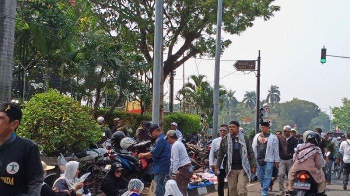 Kondusif, Suasana Terkini Kawasan Medan Merdeka Saat Sidang Sengketa Pilpres Berlangsung