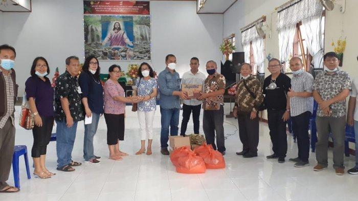 Majelis Daerah GKMI Sulut Berbagi Kasih ke Korban Bencana di Manado