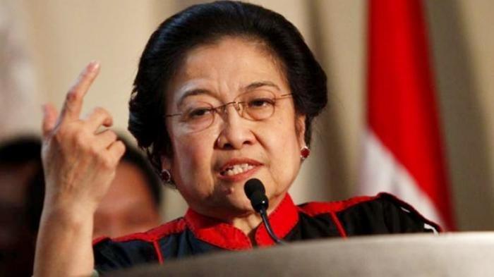 Megawati Pernah Minta Presiden Jokowi Segera Ganti Mahfud MD dan Maruf Amin, Fadjroe: Hak Prerogatif