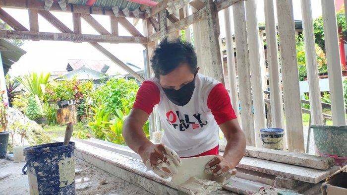 Melky 12 Tahun Tekuni Pembuatan Profil Gipsum, Pendapatannya Lumayan