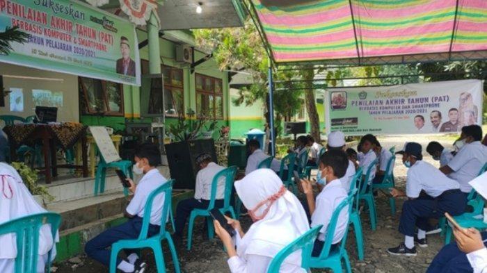 89 Siswa MTs Negeri 1 Bolmong Ikut Penilaian Akhir Tahun Berbasis Teknologi Informasi