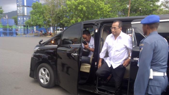 Mantan Menhub Budi Karya Sumadi Datang ke Istana Pakai Kemeja Putih, Bakal Jadi Menteri Lagi?