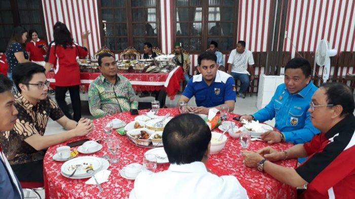 Menpora RI Bawa Adrian Paruntu Lakukan Kunjungan ke Unsrat dan Minahasa