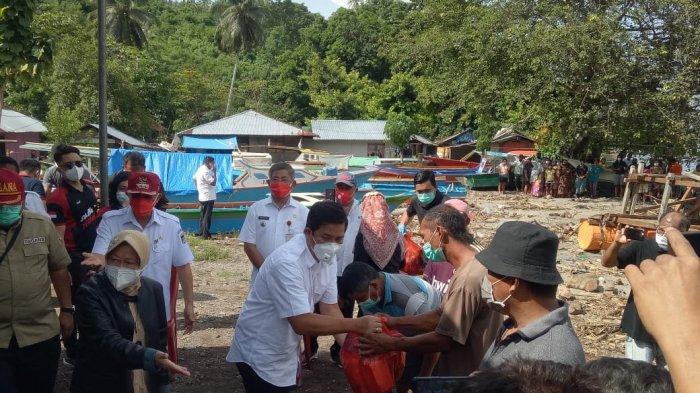 Mensos Kunjungi Desa Tateli Weru