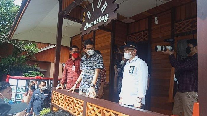 Menteri Pariwisata dan Ekonomi Kreatif Sandiaga saat berkunjung ke salah satu Home Stay yang ada di Desa Marinsow, Likupang Timur, Minahasa Utara.