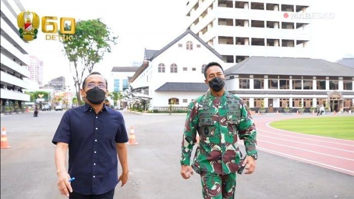 Menteri Sekretaris Negara (Mensesneg) Pratikno bertemu dengan Kepala Staf Angkatan Darat (KSAD) Jenderal TNI Andika Perkasa, pada Senin (11/10/2021).