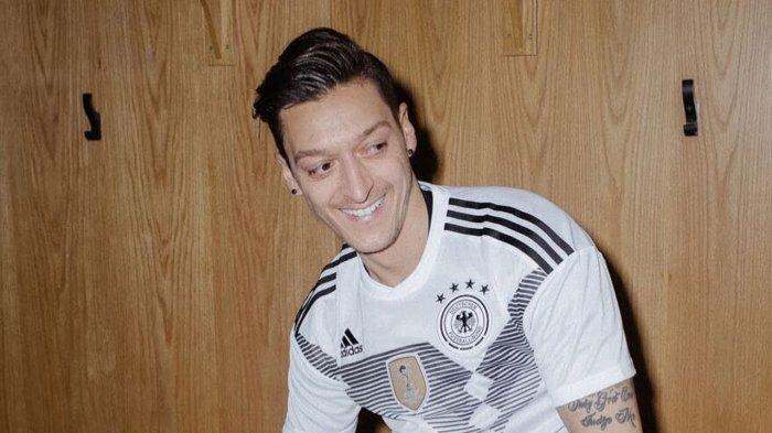 Mundur dari Timnas Jerman, Mesut Ozil Dicap Pengecut setelah