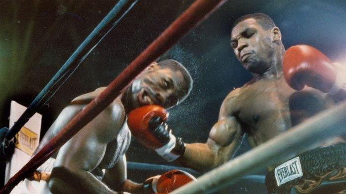 Tarung Mike Tyson dan Roy Jones Jr Diperkirakan Banyak Lelucon, Tubuh Iron Tyson Menakutkan