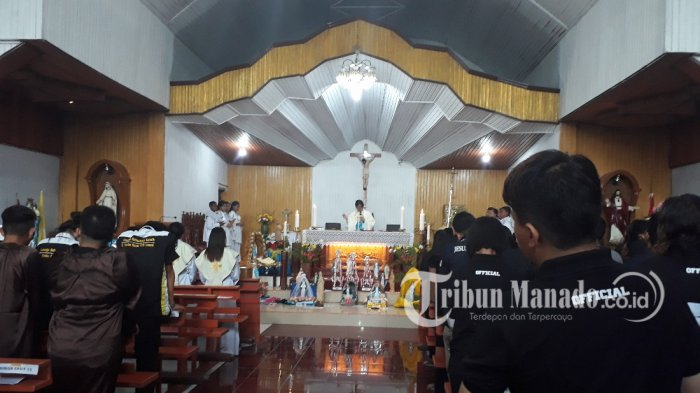 Pastor John Montolalu Pimpin Misa Penutup Rally Rosario Komda Sulut