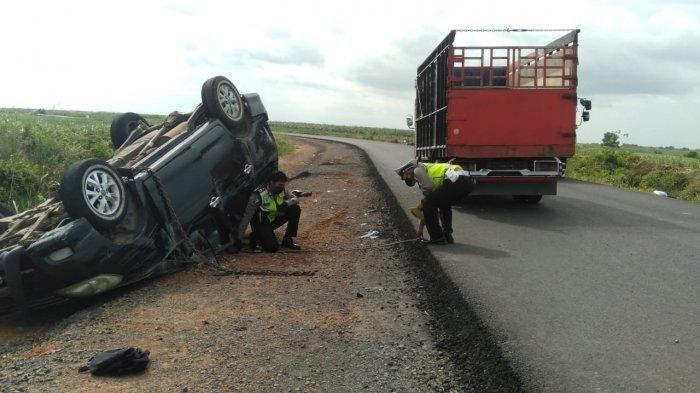 Kecelakaan Maut Tadi Siang Pukul 14.00 WIB, Seorang Pelajar Tewas, Innova Ngebut Hingga Terbalik