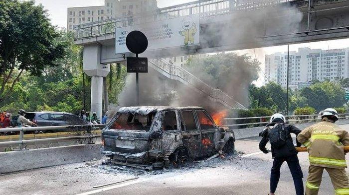 Kebakaran Pukul 09.00 WIB Rabu 2 September 2020, 1 Mobil Terbakar di Jalan Tol