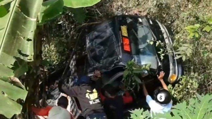 Kecelakaan Maut Tadi Siang Pukul 14.00 WIB, 1 Tewas dan 13 Luka, Salah Oper Gigi Pikap Masuk Jurang