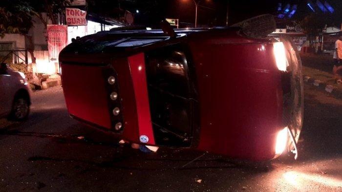 Kecelakaan Maut, Pengemudi Mobil Kia Sportage Tewas, Tak Bisa Menguasai Laju Kemudian Terguling