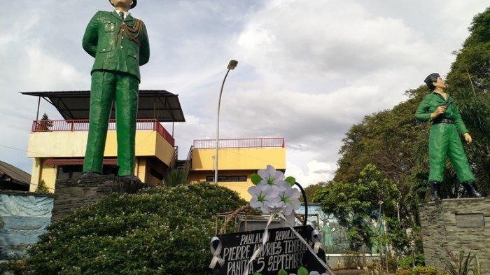 Peringati Hari Bantik, Monumen Pahlawan Robert Wolter Monginsidi di Manado Dihiasi Karangan Bunga